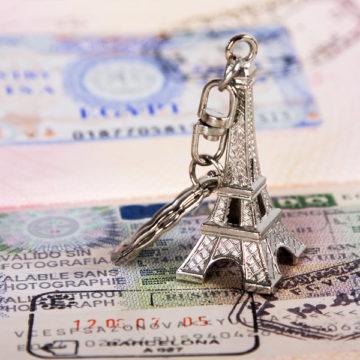 Франция облегчит получение виз для россиян
