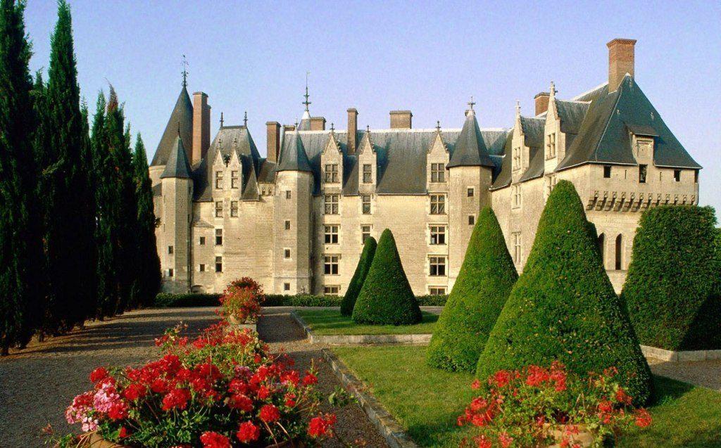 chateau_de_langeais_france_big