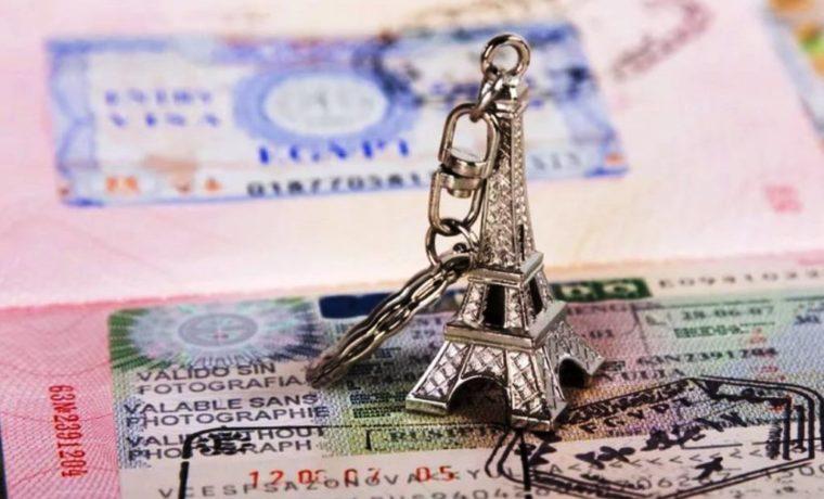 Viza-vo-Franciju-820x547