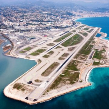 Nice_airport_runway